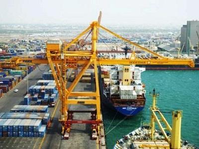 تحقيق ميداني: مضاعفة الحصار عبر استهداف ميناء الحديدة: توحُّـشٌ ضد الإنسان في اليمن!