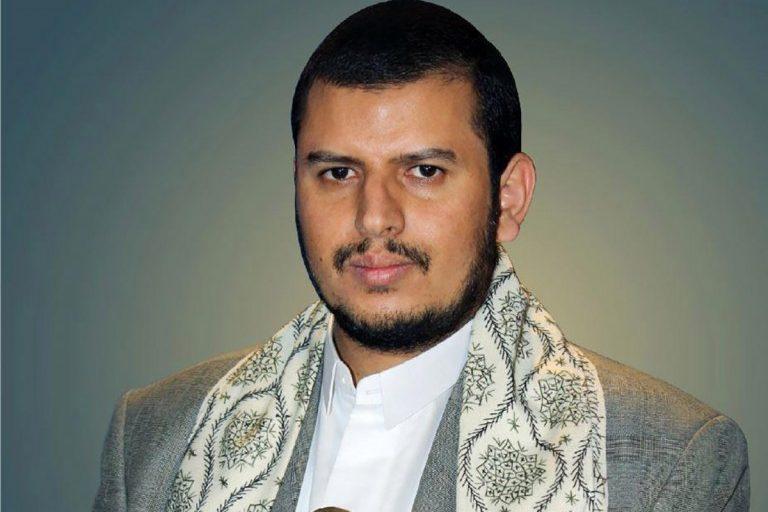السيد عبدالملك الحوثي يعزي أسر ضحايا غارات العدوان ويؤكد على الحذر من مساعي الأعداء على شق الصف الوطني