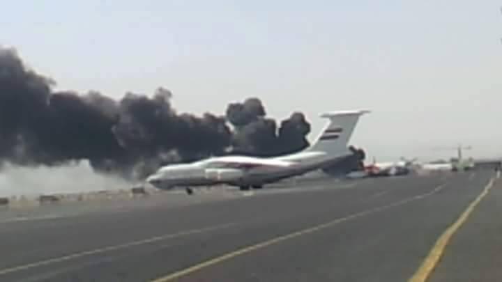 طيران العدوان الأمريكي السعودي يستهدف مطاري صنعاء والحديدة