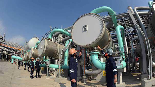 الكويت تتجه إلى خفض أعداد العمالة الوافدة في قطاع النفط