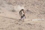 مشهد اسطوري لأحد المجاهدين وهو ينقذ رفيقه ورصاص العدو تنهال عليه من كل جانب