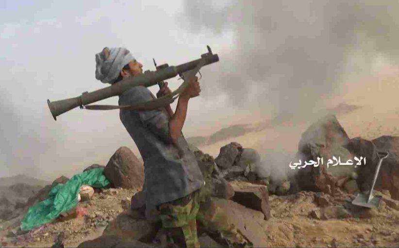 الإعلام الحربي يوزع مشاهد وصور لانكسار زحف واسع لمرتزقه العدوان على سلسلة جبال الضيق قبالة منفذ الخضراء بنجران (صور + فيديو)