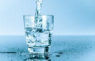 عشرة أعراض تُنذر بنقص المياه من جسمك