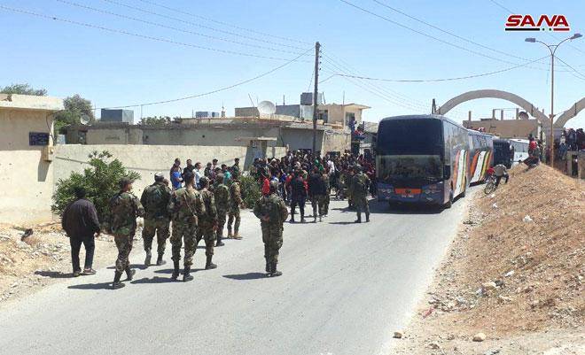 إخراج الدفعة الأولى من المسلحين من منطقة القلمون الشرقي إلى الشمال السوري
