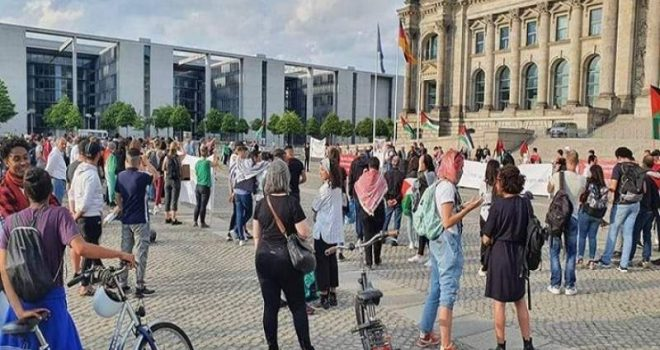 Protest in Europe, Rejecting Zionist Annexation Plans